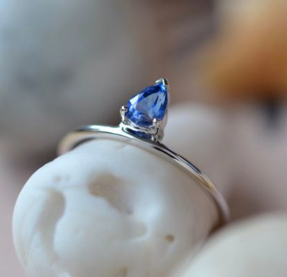 Pear shape blue sapphire ring white gold