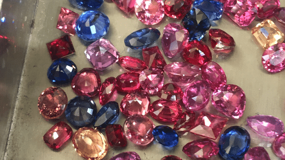 Ratnapura gem market-Sapphire lot