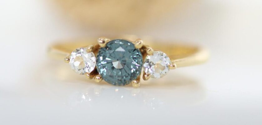 Teal sapphire ring gold